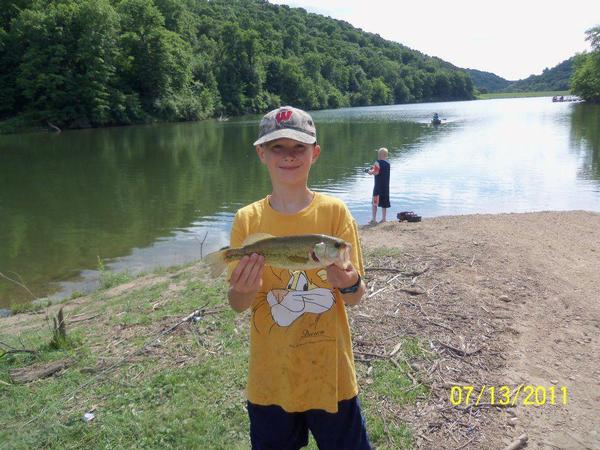 Lake and fishing information for sidie hollow lake for Clements fishing barge