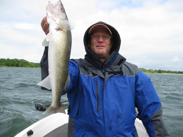 Lake and fishing information for leech lake cass county for Leech lake fishing