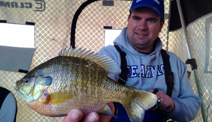 No weeds, no problem.  Not all great panfish water has an abundance of the green stuff but Jason Mitchell shares some insights on how to find fish on water that lakes good weed growth.