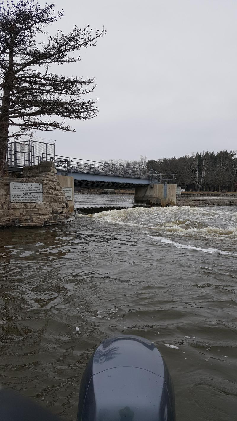 Mchenry dam fox river walleye fishing reports and discussions for Illinois river fishing report