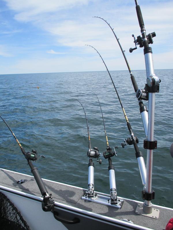 Alumacraft trophy 205 rigging for Fishing rod setup