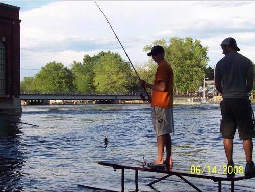 Indianford dam and or jefferson dam rock river fishing for Wisconsin river fishing report