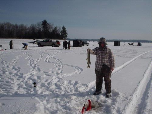 How to put line on a tip up for Ice fishing tip up line