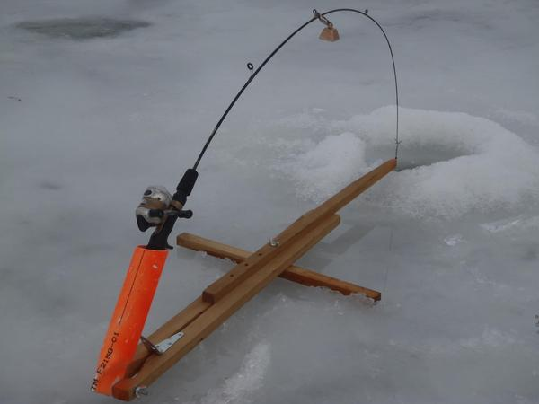 Homemade ice fishing stuff for Ice fishing rod holders