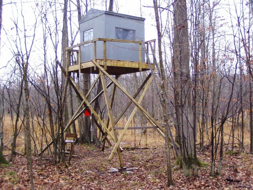 Building a tower box deer blind for How to build a deer blind