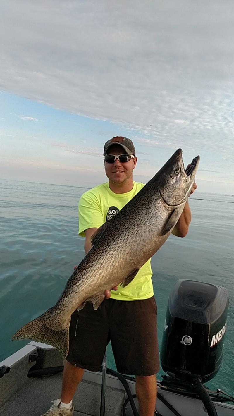 Port washington lake michigan ozaukee county fishing for Lake michigan fishing report