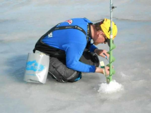 Waterproof ice fishing clothing for Ice fishing clothing