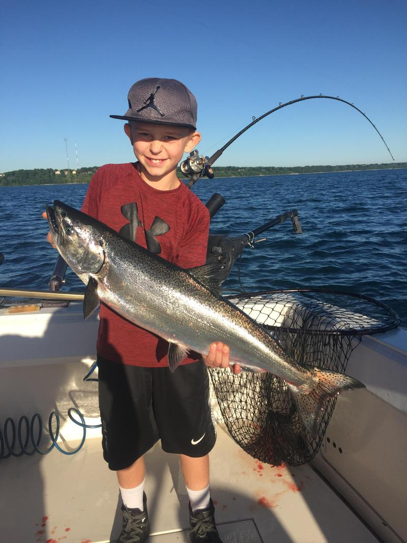 Lake michigan milwaukee county fishing reports and for Lake michigan fishing report