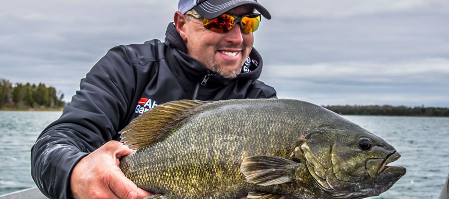 Tactics For September Smallmouth - There's something about September and smallmouth bass that makes a magic combination. There's a bunch of reasons why smallmouth turn on the feedbag in September.